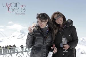 """Ihr seid Genießer, mögt Wein und herrliche Winterlandschaften? Dann gibt es wohl kaum etwas Besseres als """"Wein am Berg"""" für euch. Demnächst in Sölden!"""