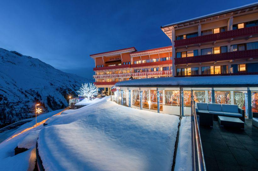 Das Hotel Riml von außen. Was für eine Lage, was für ein Hotel!
